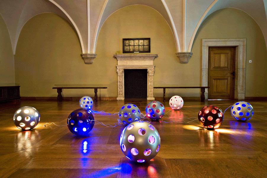 Red Boom Bomb Balls 2005